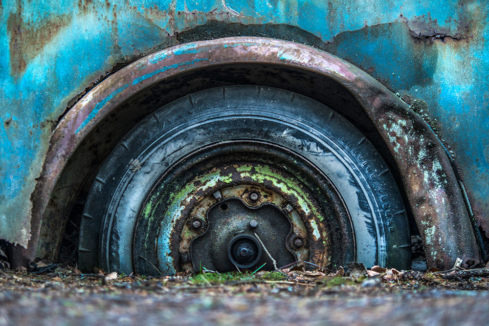Sinking Car Wheel | ©Alberto Ghizzi Panizza | AF-S Micro NIKKOR 60mm f/2.8G ED