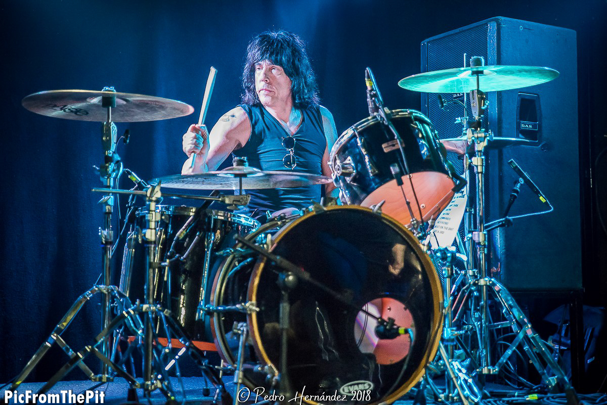 Marky Ramone (Ramones). Nikon D810 120 mm f/2,8  1/250 ISO3200, Copyright Pedro Hernández @picfromthepit